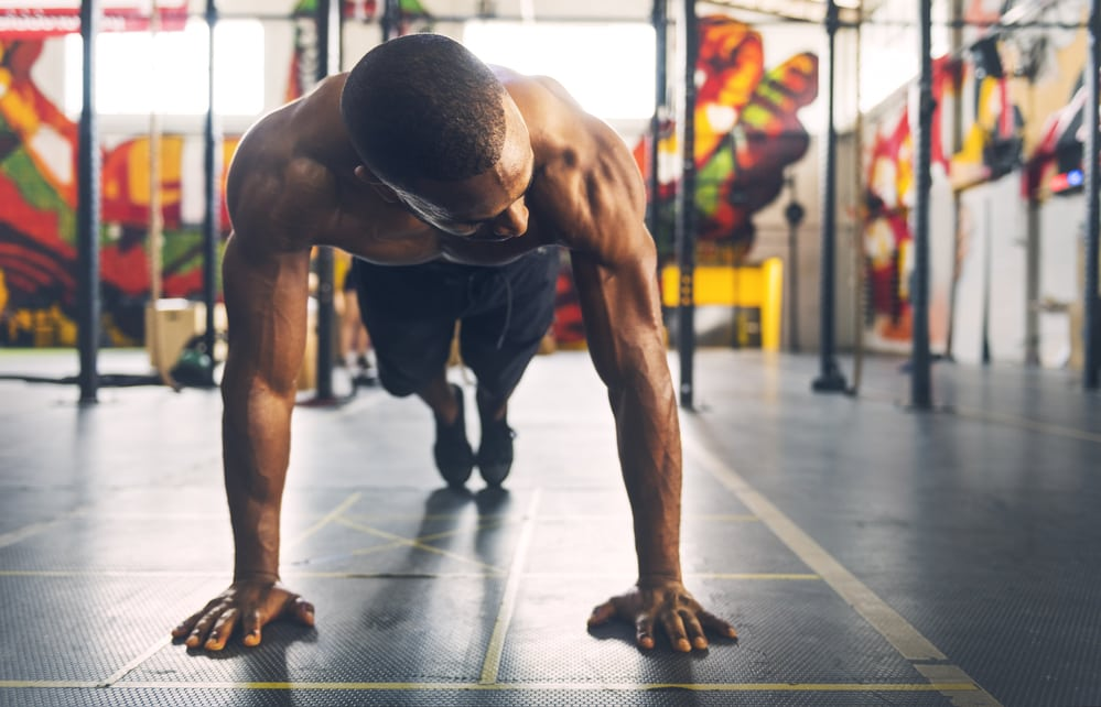 Can this man build muscle doing bodyweight exercises?